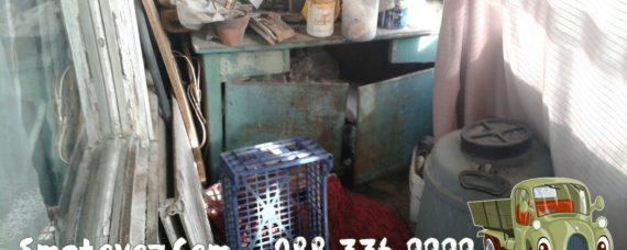 Бригадите изхвърлят от апартаменти Връбница